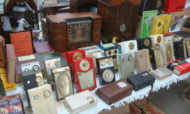 Popular Vintage Electronics Worth A Fortune Today