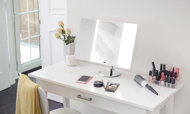 9 Ways the Simplehuman Sensor Pro Smart Mirror Can Instantly Improve Your Makeup Routine