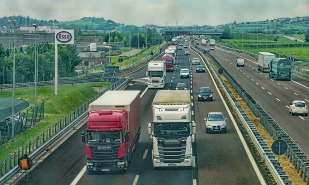 How Computer Software Revolutionized the Trucking Industry