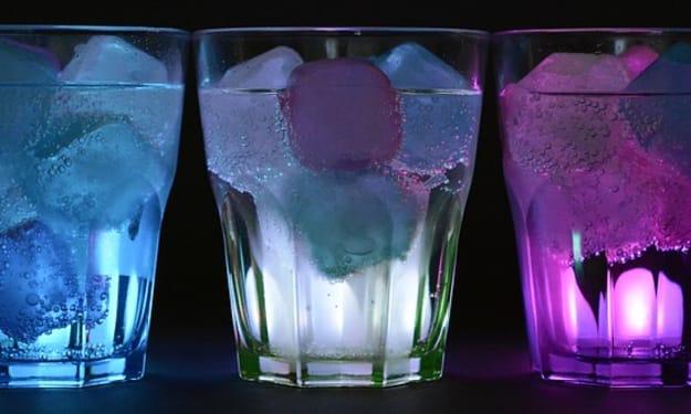 Prohibition: The Lipstick Cocktail