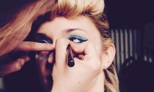 10 Things You Need to Know Before Becoming a Makeup Artist