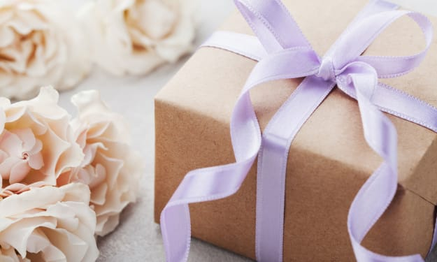 The 11 Best Personalized Wedding Gifts