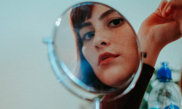 10 Makeup Tricks That Make Your Eyes Look Larger