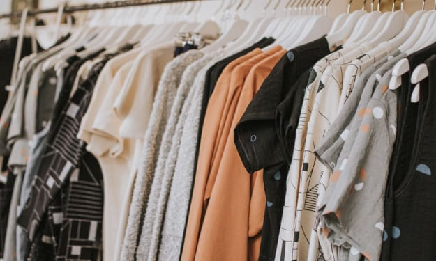 How to Sell Your Old Clothes for Money!