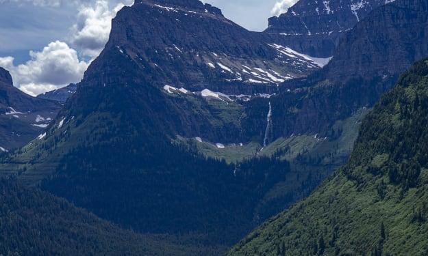 Hiking Avalanche Lake Trail