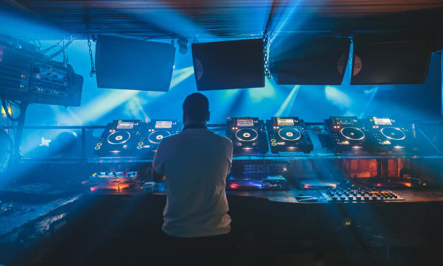 11 Deep House DJs You Need to Know