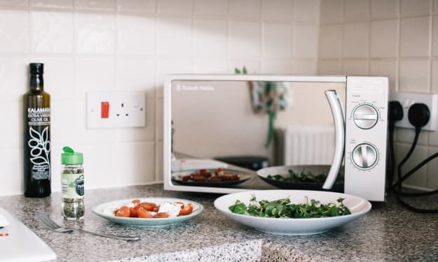 10 Microwave Hacks Every Chef Should Know