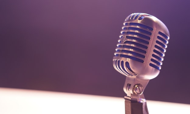 11 Motivational Podcasts to Improve Your Life