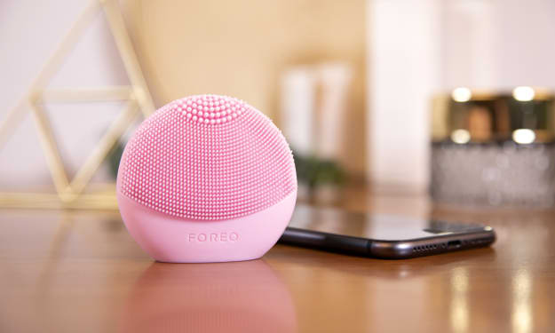 I Tried the FOREO LUNA fofo, and It Changed How I See My Skin