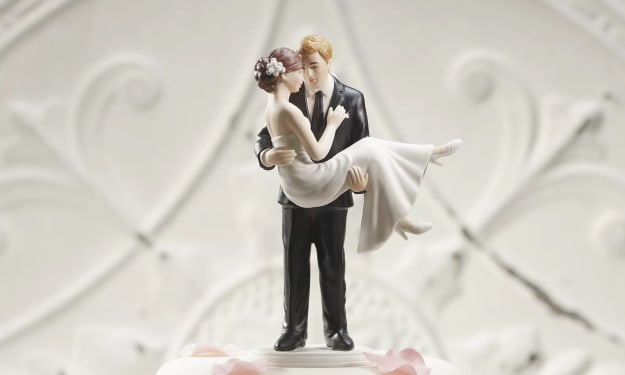 10 Cute Wedding Cake Toppers You'll Want to Buy
