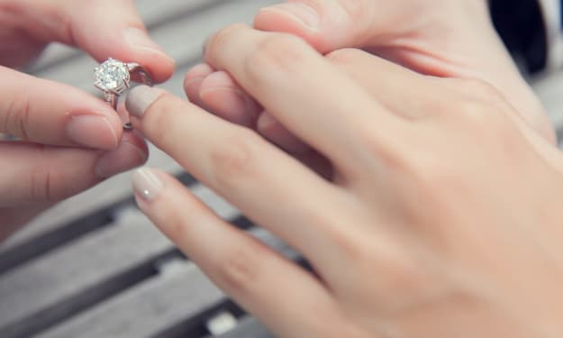 10 Tips Every Newly-Engaged Couple Should Follow