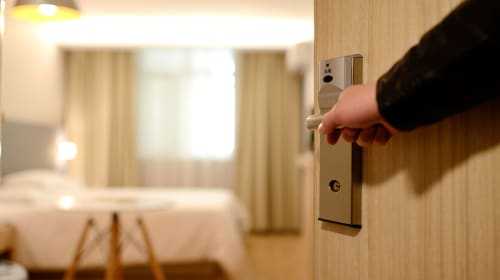 5 Tips When Looking Into Working and Managing a Hotel