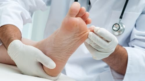 7 Autumn Foot Care Tips for Patients With Diabetes
