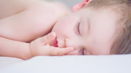 Top Tips on Getting Your Newborn to Sleep Well at Night