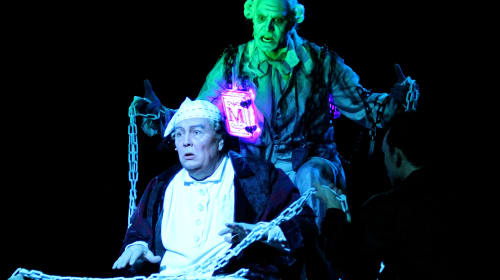 North Shore Music Theatre's 'A Christmas Carol' Grasps the Holiday Spirit