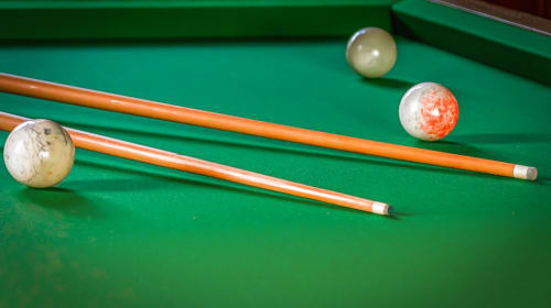 Here are 7 Best Cues Accessories For Your Game Room