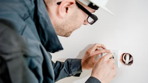 Major Benefits of Having a 24-hour Emergency Electrician by Your Side