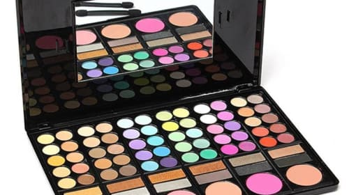 Why Women Prefer Eyeshadow Boxes of different Types