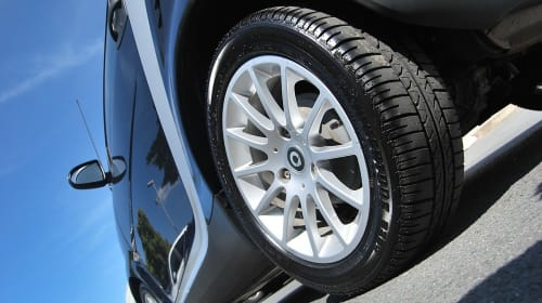 Top Benefits of Using Mobile Tyre Repair Services in Emergency