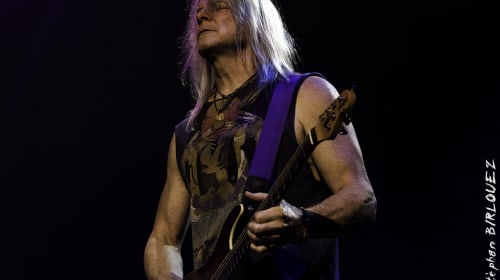Steve Morse is Pretty Intense about Flying Colors