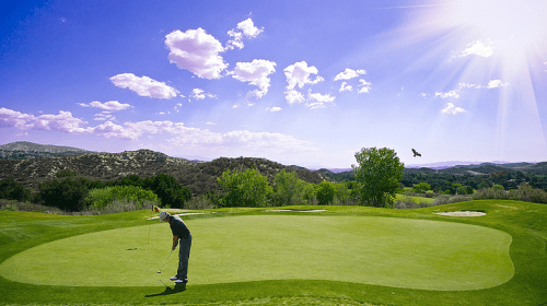8 Benefits of Living on a Costa Rican Golf Course Resort