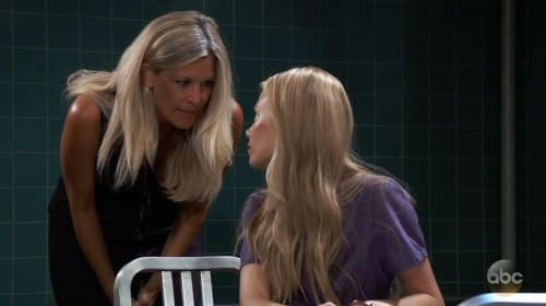 Carly's past could reveal Nelle is Nina's daughter