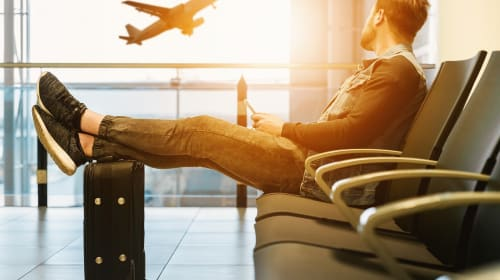 Top 6 Lightweight Carry-On Luggage to Bring for Your Next Travel Abroad