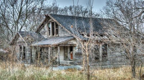 Hunt on the haunted farm