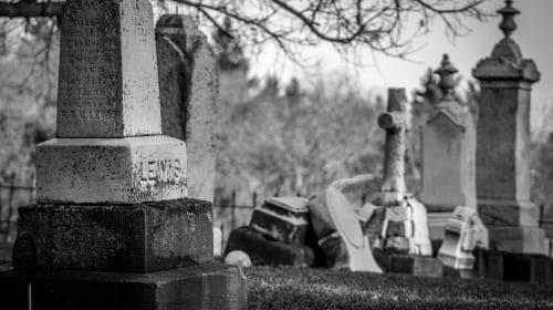 Haunt in the demonic graveyard