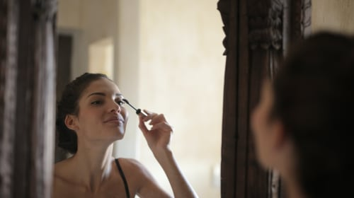 6 Hair and Makeup Tips for Looking Your Best
