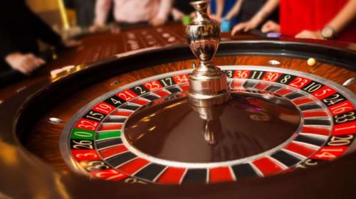 8 Secrets of a casino dealer