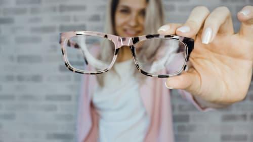 What's the More Stylish Eyewear??