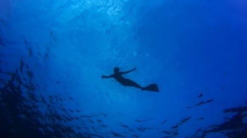 Girl Beneath The Sea - Book Review