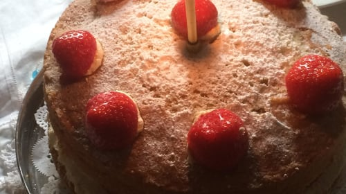 The hidden beauty behind the  'classic' Victoria sponge...