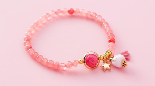 Symbolize your appearance with Kitten Bracelet