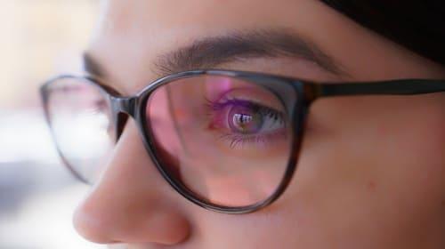 Expert Tips to Ease Digital Eye Strain During Lockdown