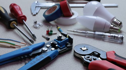20 Safety Precautions When Working with Electrical Equipment