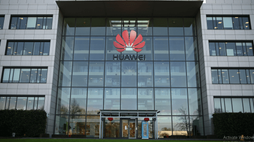 U.K. Bans Huawei From 5G Network, With Total Removal by 2027