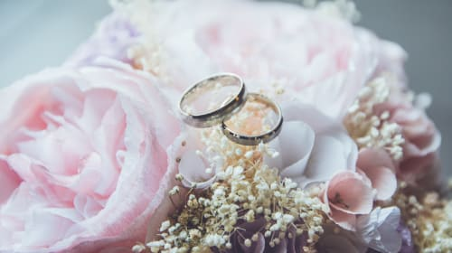 5 Proven Tips to Help You Save Money When Planning Your Wedding