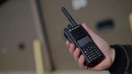 Two-Way Radios or Personal Cell Phones – Which One Works Best In The Workplace?