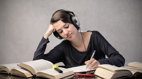MUSIC AND STUDYING: HELPFUL OR NOT?