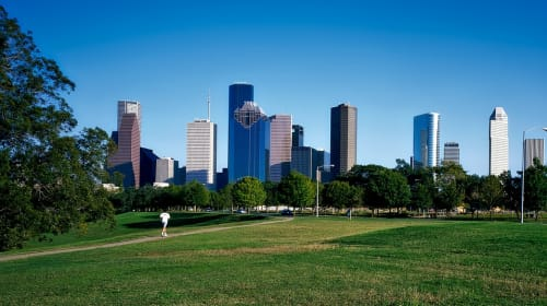 Does Houston Have More 100 Degree Days or Below Freezing Weather Temperature Days Annually?