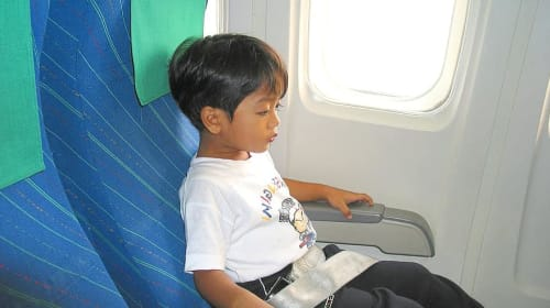 How to travel with a baby in airplane?