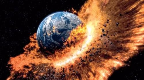 If a meteorite hits the earth and the earth is destroyed, what will happen to the water in the ocean?