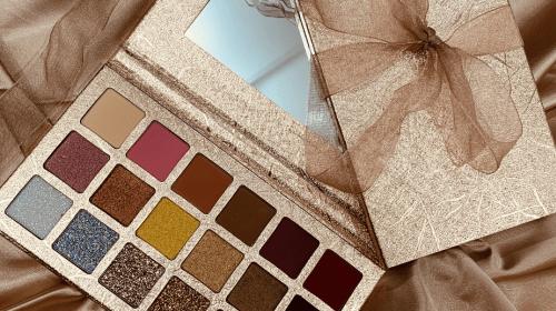 Custom Eyeshadow Packaging Wholesale Cut Price At GoToBoxes
