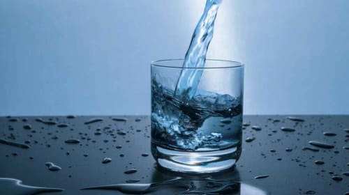 Drinking Water In The Morning: Advantages & Disadvantages