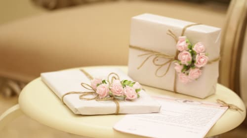 How to Pick the Perfect Gifts for Your Bridal Party