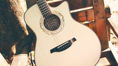 4 Healthy Habits When it Comes to Maintaining Your Acoustic Guitar!