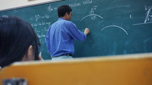 10 Reasons Why Teachers Are Quitting Education