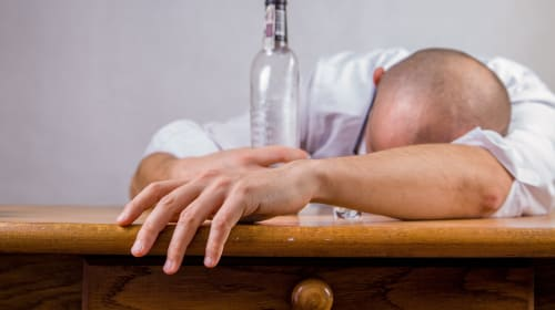 The Signs and Symptoms of Alcohol Poisoning